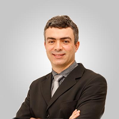 Dr. Vinicius Bruce Souza
