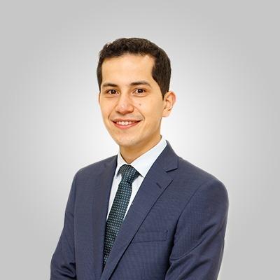 Dr. Thiago Hota